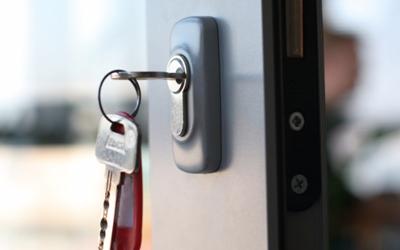 locksmith key cutting